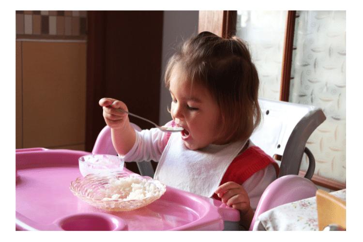 toddler feeding self